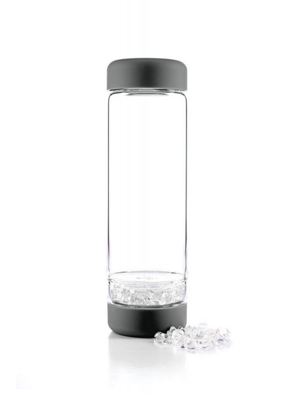 Glasflasche dunkelgrau Bergkristall für Edelsteinwasser. Glass bottle dark grey with clear quartz for gemwater.